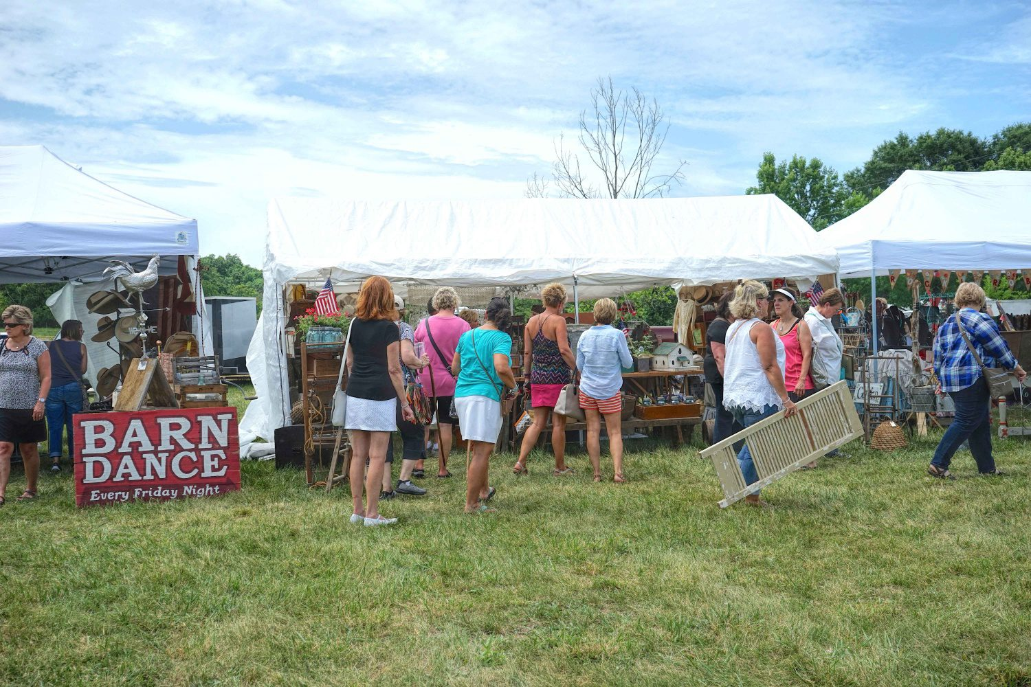 City Farmhouse Pop Up Fair Antique Design Event Draws Thousands